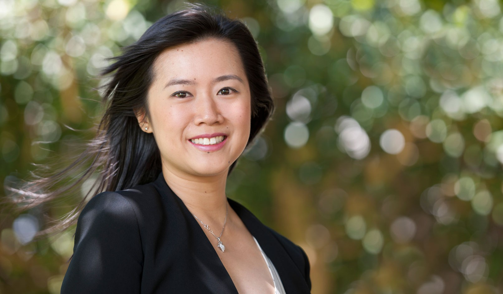<div>Corporate</div><div> <a href='https://nedmeldrum.com.au/project/aurecon-corporate-portraits-anita-wong/'>View Series</a></div>